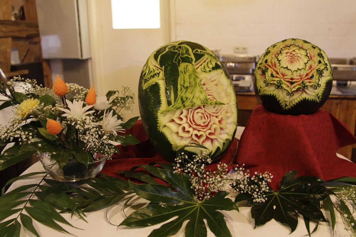 Carving Hochzeitsdeko für Ihre Hochzeit - kartoffel-hotel.de