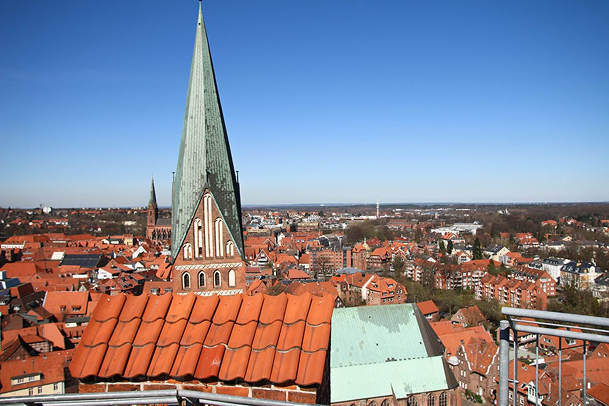 lueneburg men Hi all, i'm traveling to germany with a friend in mid-september for a wedding, and we're doing a trip from lubeck (day trip to schwerin) via luneburg to bremen, then via bremerhaven to the wedding location.